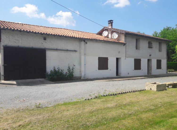 Maison avec 3800 m² de terrain