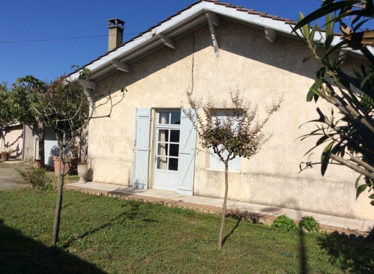 Maison en pierre de plain-pied de 81 m²