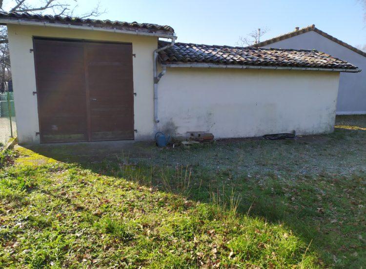 Terrain à bâtir 303 m²